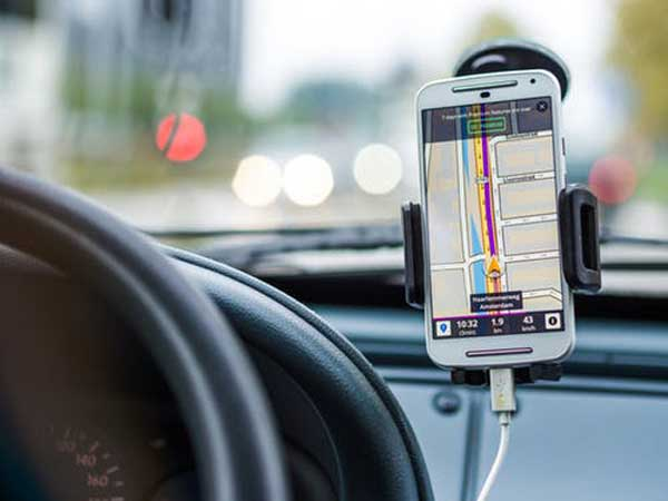 tracking a car by gps